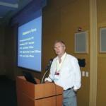 Prof. Dr. David De Jong apresentando trabalho na Apimondia-2015.