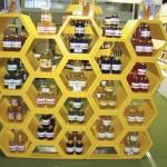 Belíssimos stands foram montados para expor os produtos
