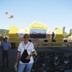 Do outro lado do Rio havia uma exposição destinada ao público em geral com shows, stand com produtos apícolas e comidas típidas e atividade para crianças ensinando a importância das abelhas para o homem. O espaço era enorme e calcula-se que foi visitado por mais de 7.000 pessoas durante o congresso.