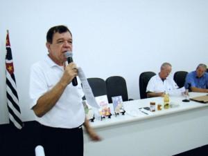 O Palestrante José Hilton Claudino de Lima durante a sua apresentação