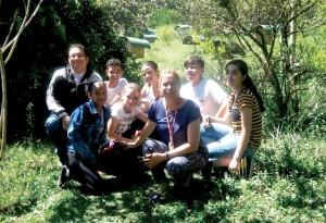 Equipe Tecnomar visitando o Apiário