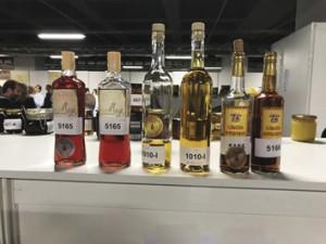 Foto 14 – Embalagens de Hidromel submetidas ao concurso da APIMONDIA.