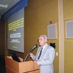 Prof. Dr. Lionel S. Gonçalves em sua apresentação da Campanha de Proteção às Abelhas com os resultados do BEE ALERT sobre a morte de abelhas no Brasil na Apimondia-2015