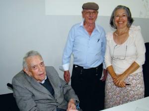 O nosso querido companheiro João Sobenko, Vice-Presidente da APACAME aproveitou a oportunidade para ser fotografado com os autores.