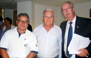 Outro momento de confraternização com o Prof. Dr. Osmar Malaspina responsável pelo Mapeamento de Abelhas Participativo.