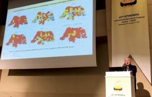 Foto 7 – Apresentação oral do trabalho de Herica T.Domingos e L.S.Gonçalves da UFERSA- Mossoró-RN sobre termoregulação em abelhas africanizadas.